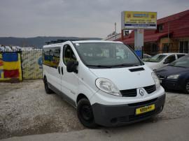 Renault Trafic 8 + 1 locuri