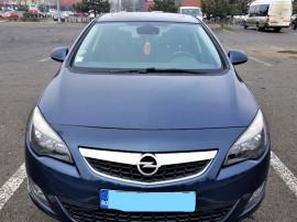 Opel astra j, 1.7 cdti, 125 cp, 2011, navigatie, trapa.