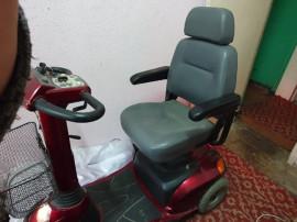 Scuter electric pentru persoane cu dizabilitati