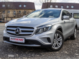 Mercedes-Benz GLA180 - Navigatie - Senzori parcare
