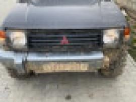 Mitsubishi pajero mk2
