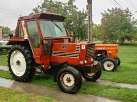 Tractor fiat 680 și presa rotunda