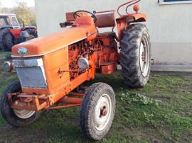 Tractor renault Super recent adus