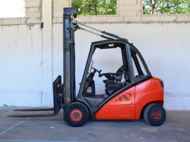 MotoStivuitor Linde H30D Diesel 3 tone capacitate an 2008