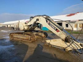 Dezmembrez Excavator pe senile Terex TC225 LC pompa , motor