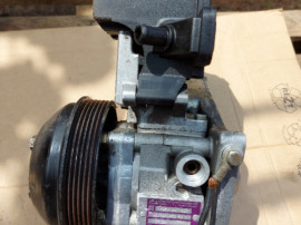 Pompa servodirectie cu bazin