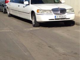 Lincoln Town Car Limuzina
