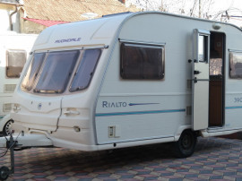 Rulota / caravana Avondale