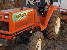 Tractor hinomoto 28 cp