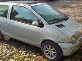 Dezmembrez Renault twingo 1.216v euro 4