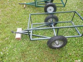 Remorcute pentru tractoras de tuns gazon sau motocultoare