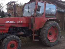 Tractor forestier UTB 651