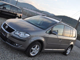 VW Touran 1.4 i -benzina
