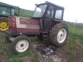 Dezmembrez Tractor Fiat 880