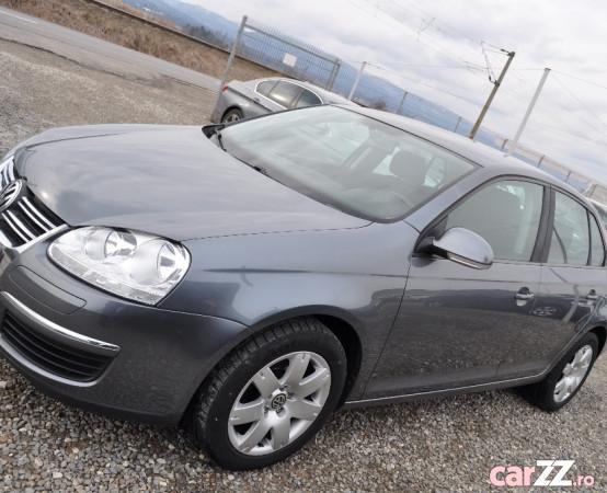 VW Jetta 1.6 i -benzina