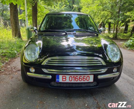"""Mini Cooper,arata si functioneaza impecabil 2004 Mini Cooper,arata si functioneaza impecabil 2004 2004  adusă recent din Germania, se pot verifica accidentele și km mașinii (apăsând butonul """"Verifică""""), cutie de viteză Manuala, Euro 4. Oferit de Companie."""