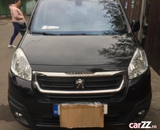 """Peugeot Partner Teppe, neagra, diesel, 120 -CP, EURO-6 Peugeot Partner Teppe, neagra, diesel, 120 -CP, EURO-6 2015  adusă recent din Germania, se pot verifica accidentele și km mașinii (apăsând butonul """"Verifică""""), cutie de viteză Manuala, Euro 6. Oferit de Persoană fizică."""