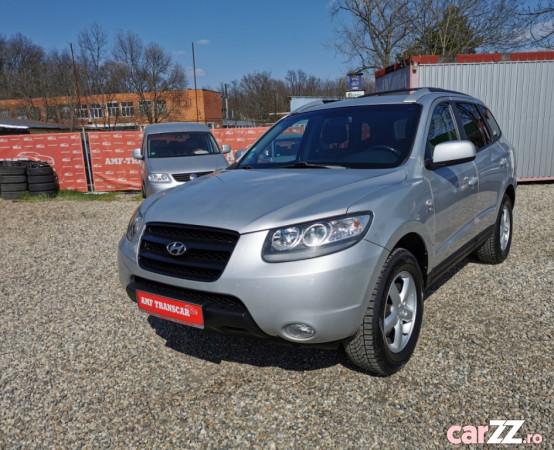 """Hyundai Santa Fe 2,2 Crdi - 150 cp - 4x4 - 7 locuri -An 2008 Hyundai Santa Fe 2,2 Crdi - 150 cp - 4x4 - 7 locuri -An 2008 2007 , se pot verifica accidentele și km mașinii (apăsând butonul """"Verifică""""), cutie de viteză Manuala. Oferit de Companie."""